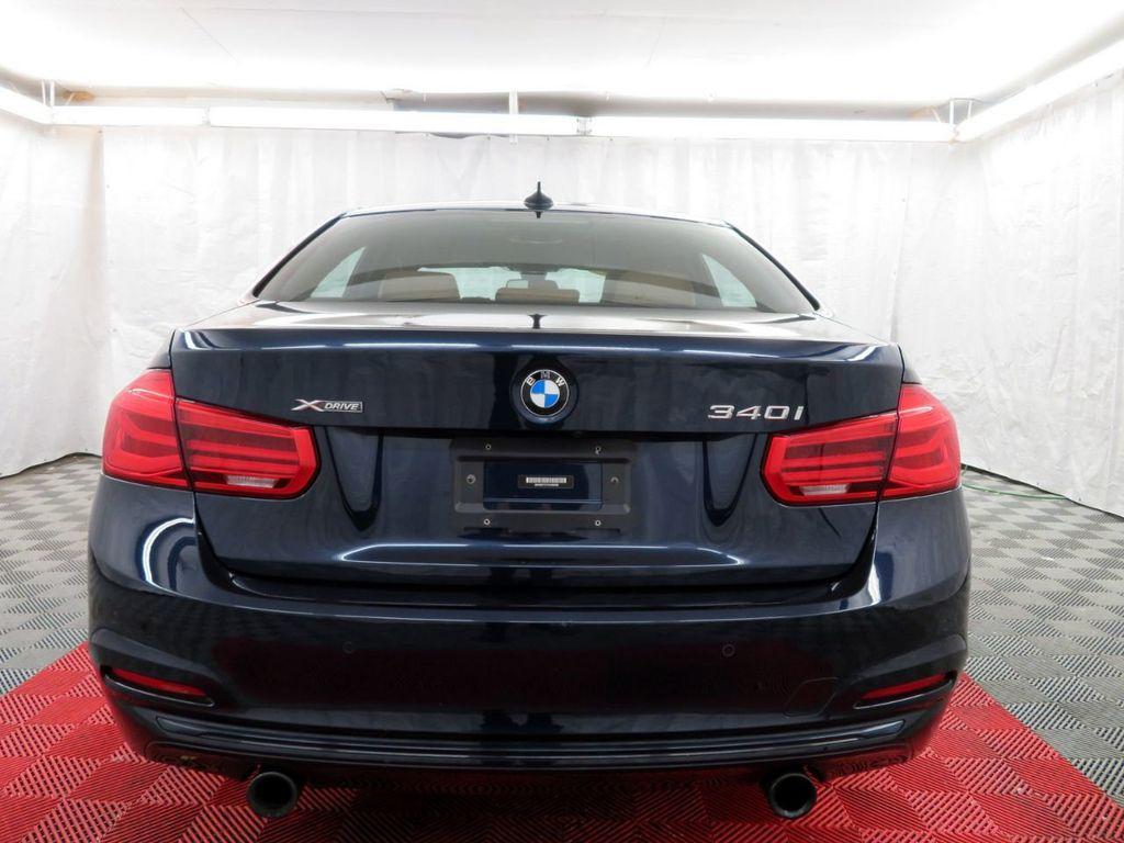 2016 BMW 3 Series 340i xDrive - 18496689 - 4