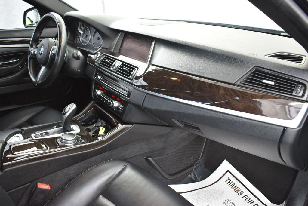 2016 BMW 5 Series 528i - 18592360 - 15