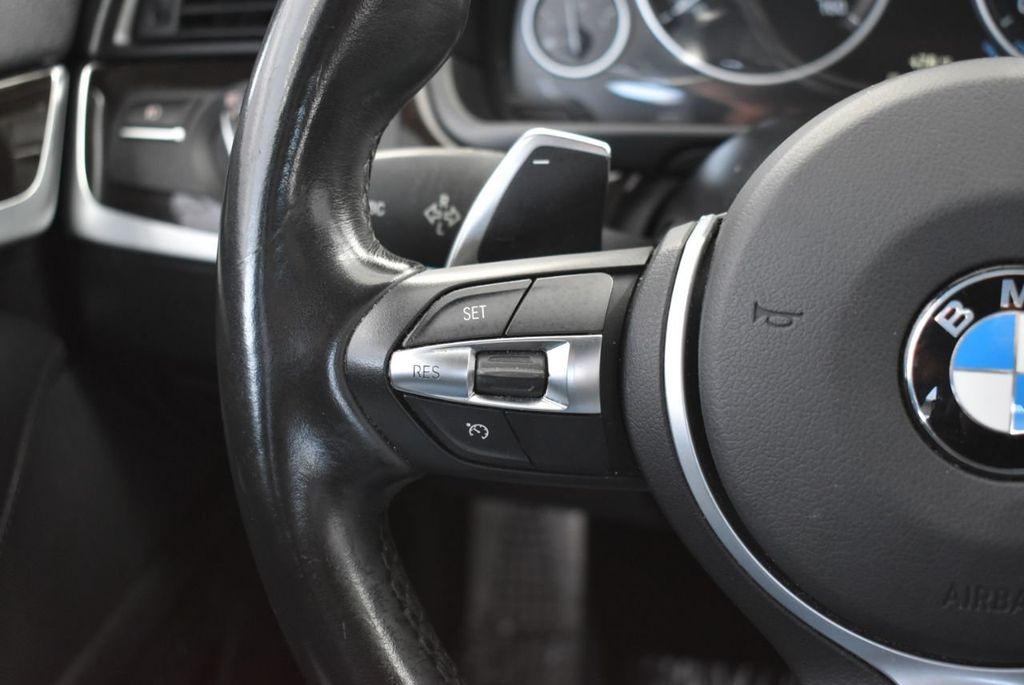2016 BMW 5 Series 528i - 18592360 - 24