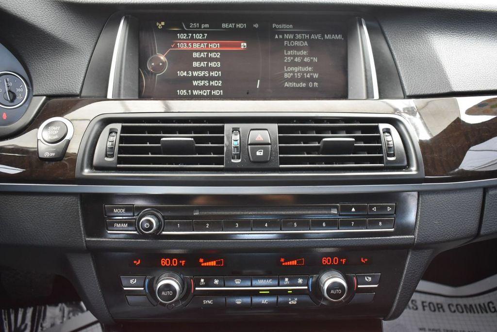 2016 BMW 5 Series 528i - 18592360 - 25