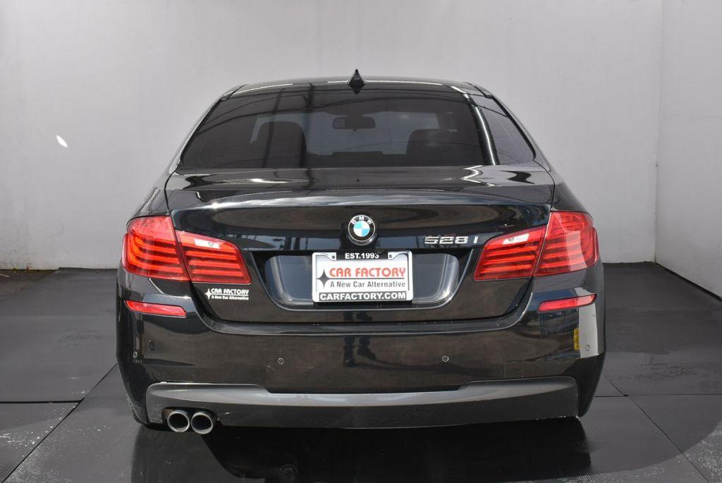 2016 BMW 5 Series 528i - 18592360 - 5