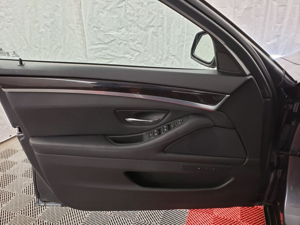 2016 BMW 5 Series 528i xDrive - 18347080 - 13