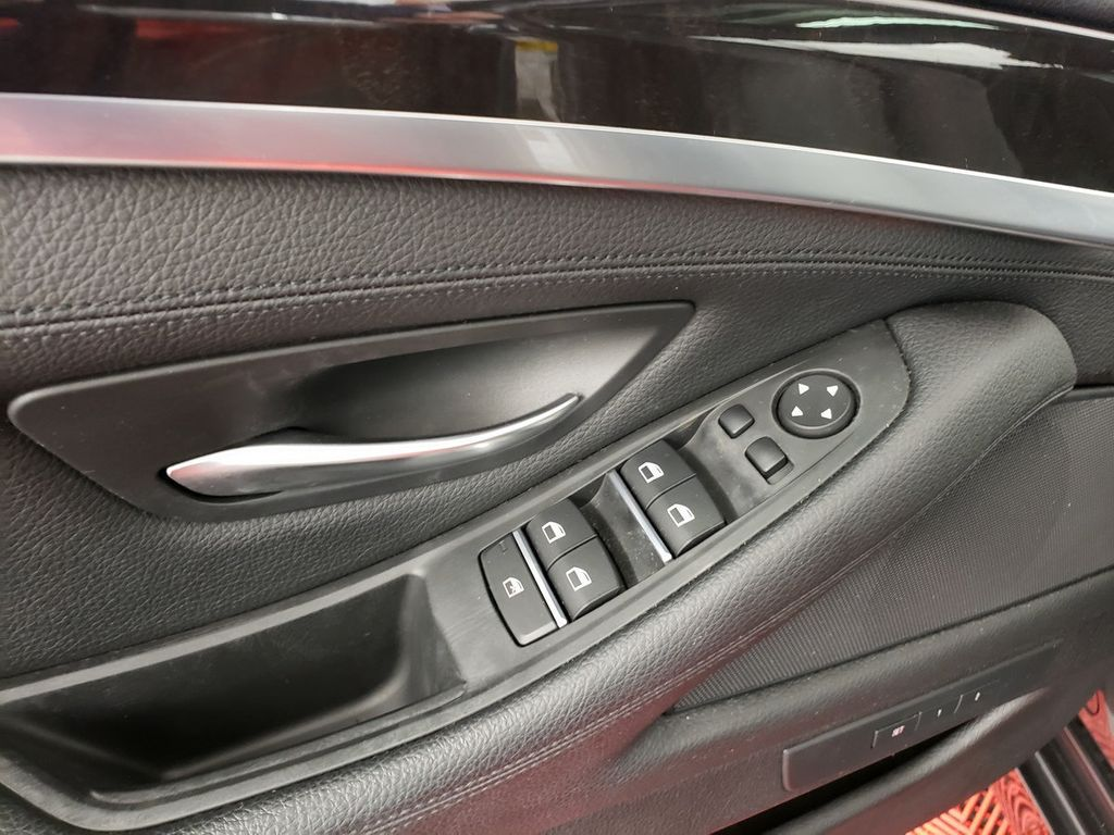 2016 BMW 5 Series 528i xDrive - 18347080 - 14