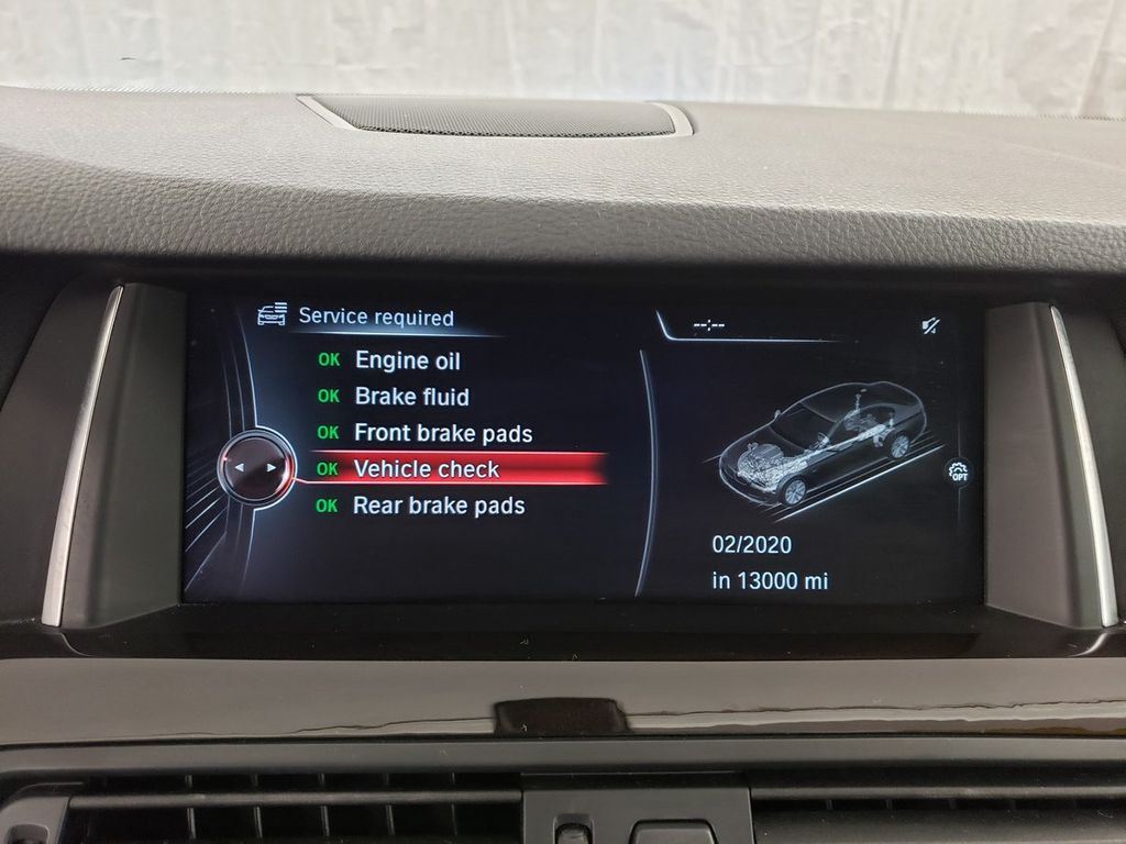 2016 BMW 5 Series 528i xDrive - 18347080 - 26