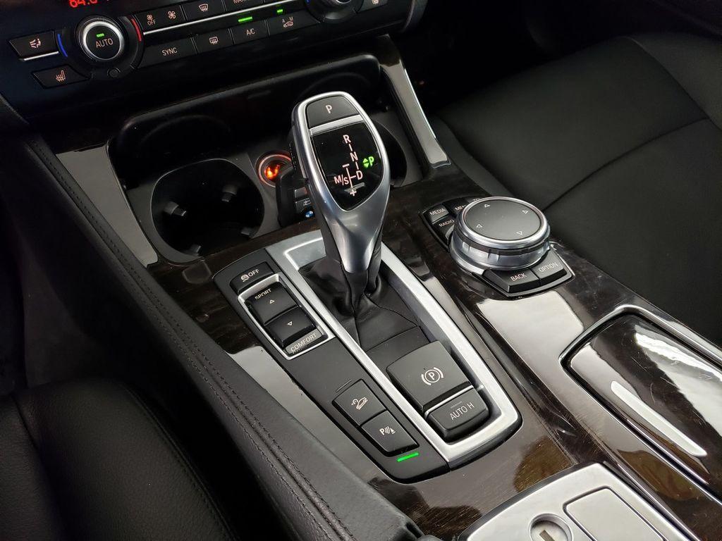 2016 BMW 5 Series 528i xDrive - 18347080 - 28