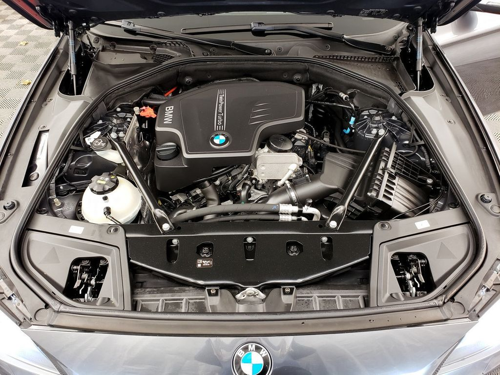 2016 BMW 5 Series 528i xDrive - 18347080 - 34