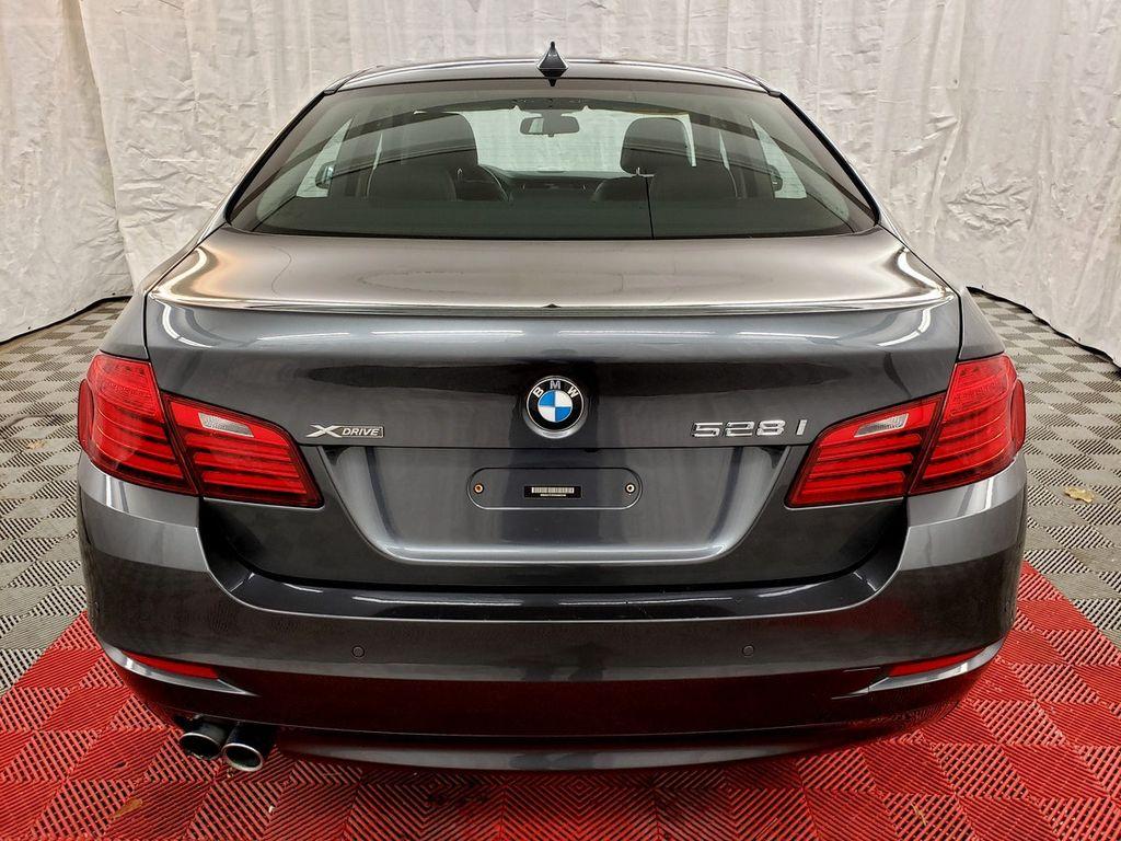 2016 BMW 5 Series 528i xDrive - 18347080 - 4
