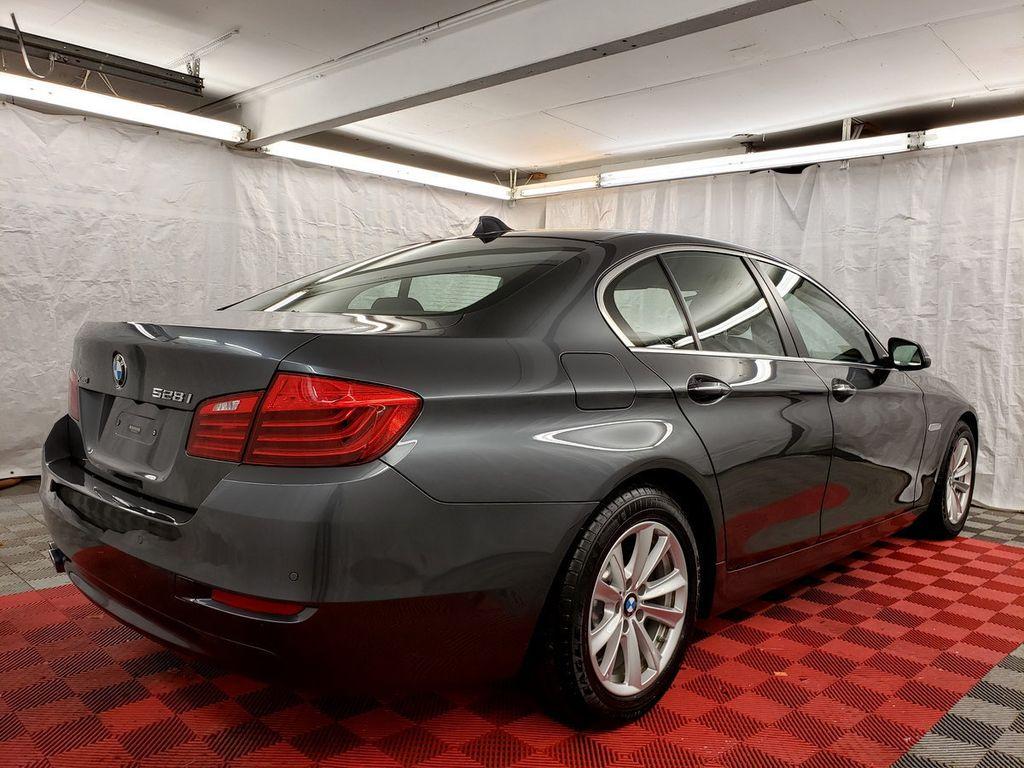 2016 BMW 5 Series 528i xDrive - 18347080 - 5