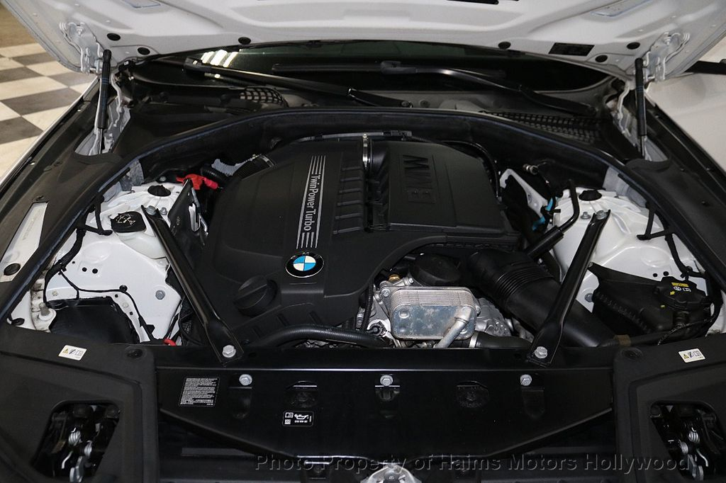 2016 BMW 5 Series 535i - 18267984 - 35