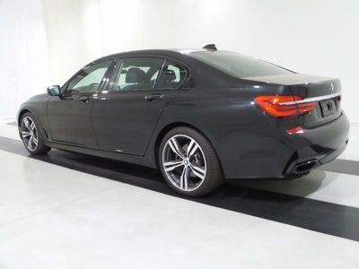 2016 BMW 7 Series 740i - Click to see full-size photo viewer