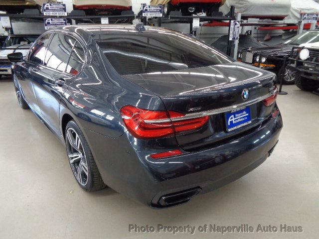 2016 BMW 7 Series 750i xDrive - 18697384 - 79