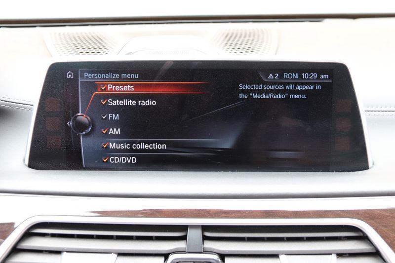 2016 BMW 7 Series 750i xDrive w/ Rear Executive Lounge Seating Pkg - 18227603 - 28