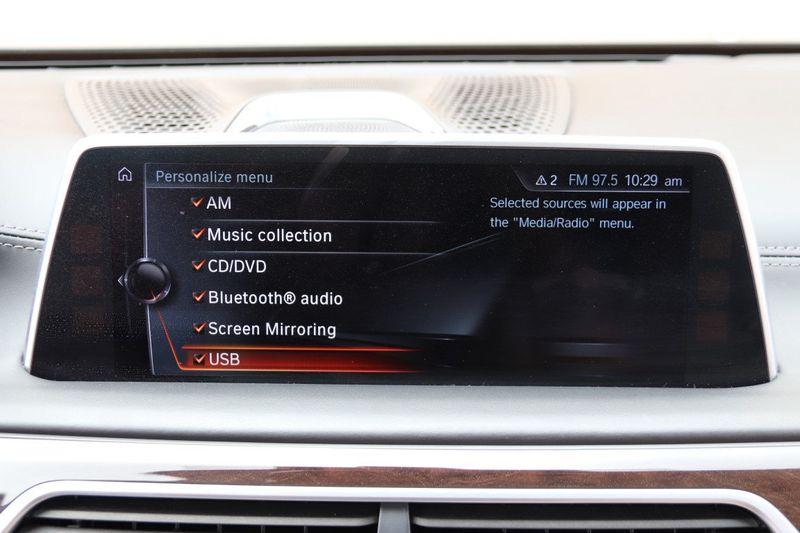 2016 BMW 7 Series 750i xDrive w/ Rear Executive Lounge Seating Pkg - 18227603 - 29