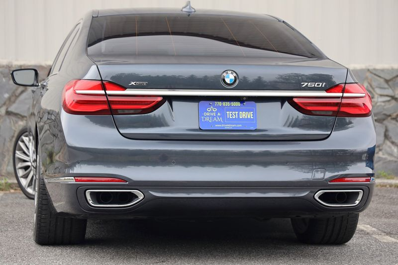 2016 BMW 7 Series 750i xDrive w/ Rear Executive Lounge Seating Pkg - 18227603 - 3
