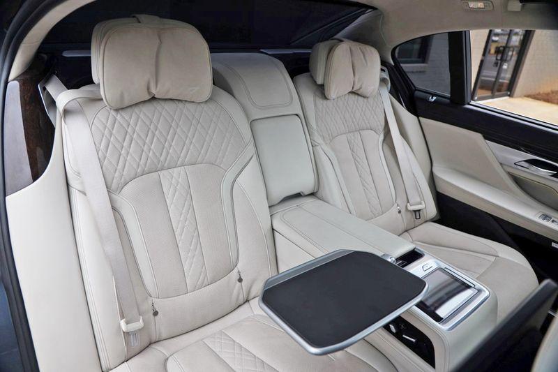 2016 BMW 7 Series 750i xDrive w/ Rear Executive Lounge Seating Pkg - 18227603 - 50