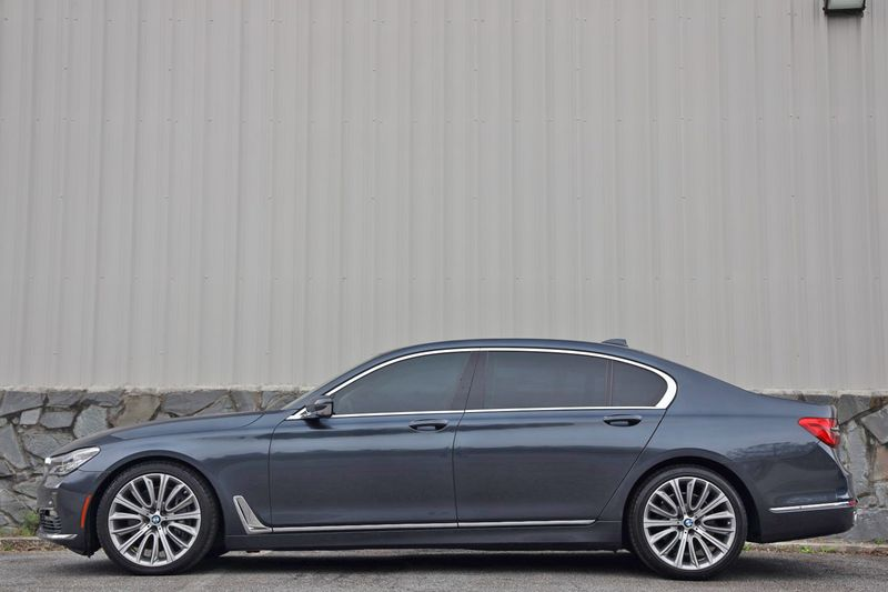 2016 BMW 7 Series 750i xDrive w/ Rear Executive Lounge Seating Pkg - 18227603 - 6