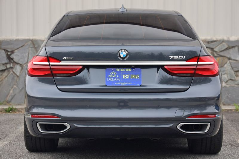 2016 BMW 7 Series 750i xDrive w/ Rear Executive Lounge Seating Pkg - 18227603 - 8
