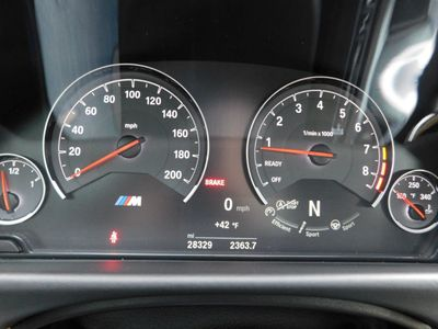 2016 BMW M4  Coupe - Click to see full-size photo viewer