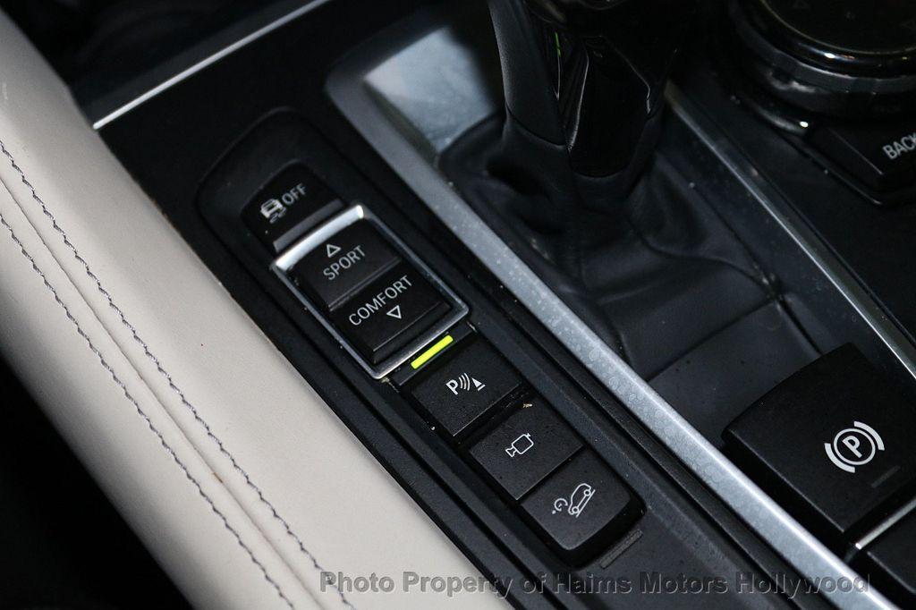 2016 BMW X6 xDrive50i - 18703935 - 26