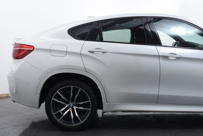 2016 BMW X6 M  - Click to see full-size photo viewer