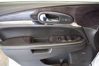 2016 Buick Enclave FWD 4dr Leather - Click to see full-size photo viewer