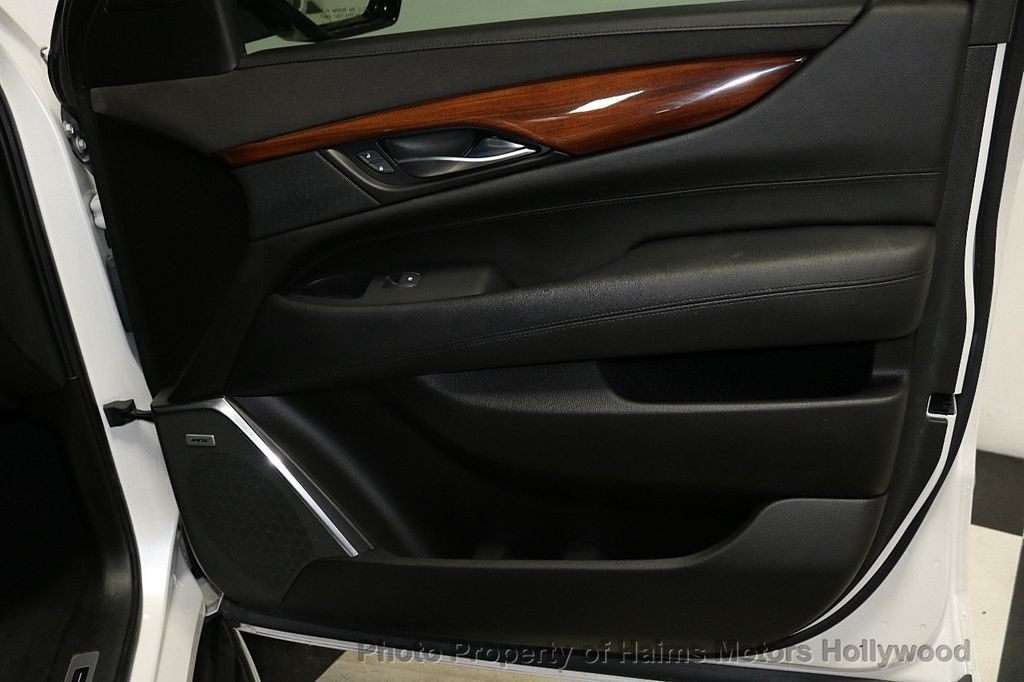 2016 Cadillac Escalade 2WD 4dr Luxury Collection - 18066530 - 13
