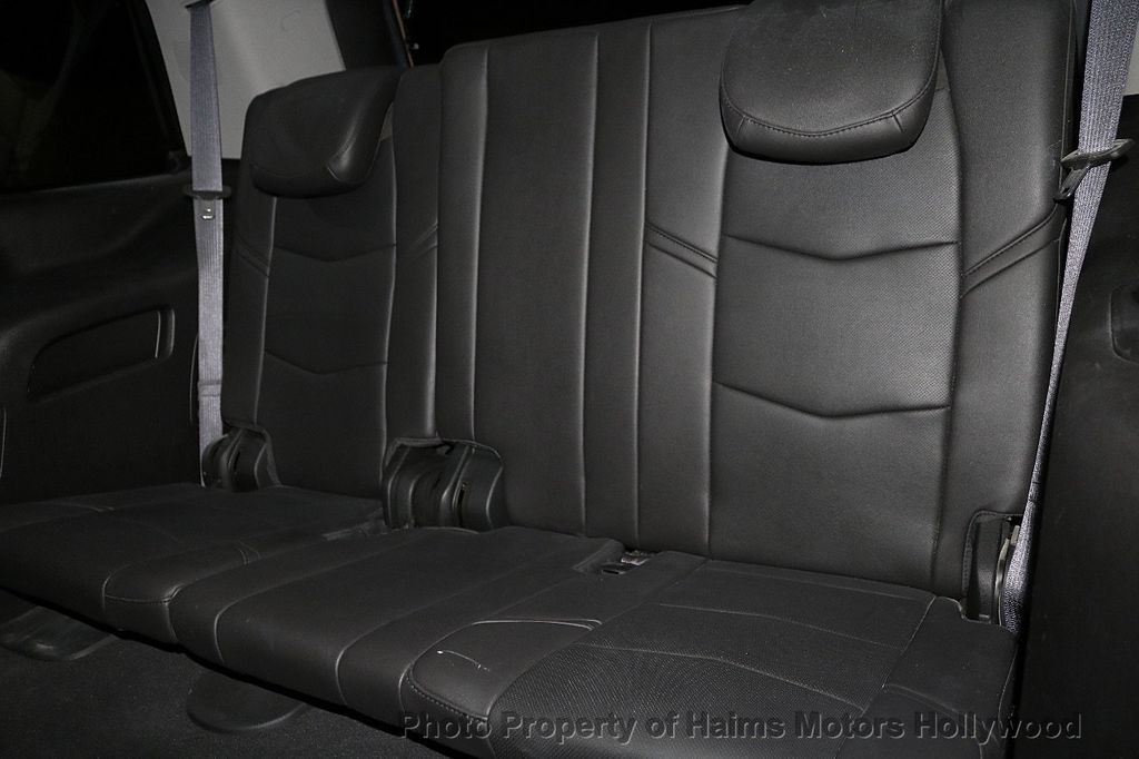 2016 Cadillac Escalade 2WD 4dr Luxury Collection - 18066530 - 19