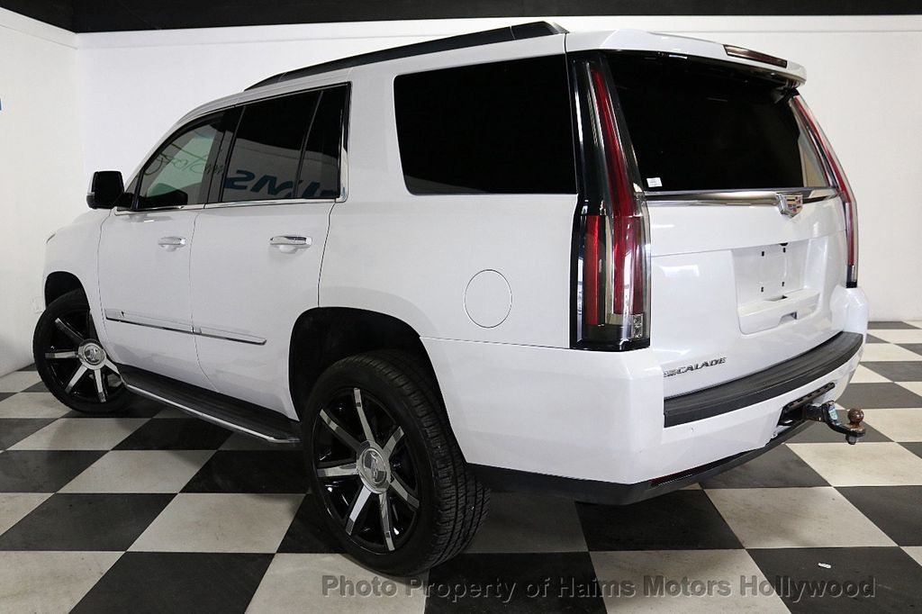 2016 Cadillac Escalade 2WD 4dr Luxury Collection - 18066530 - 4
