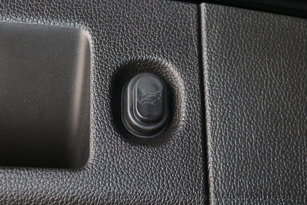 2016 Cadillac Escalade 2WD 4dr Platinum - 18528224 - 9