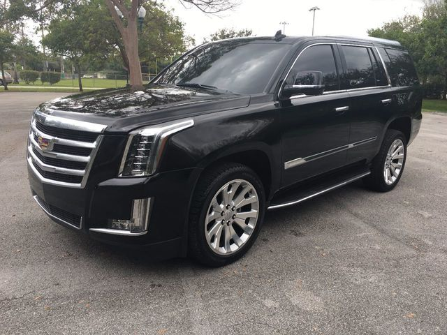 2016 used cadillac escalade 4wd 4dr luxury collection at a. Black Bedroom Furniture Sets. Home Design Ideas