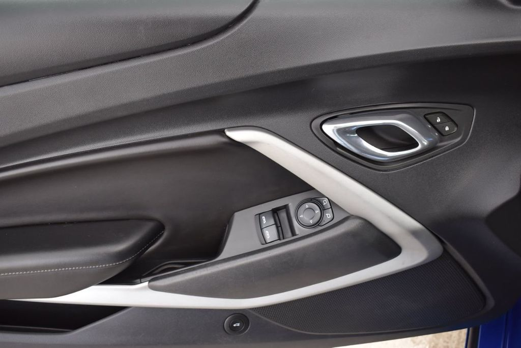 2016 Chevrolet Camaro 2dr Coupe LT w/1LT - 18592298 - 12