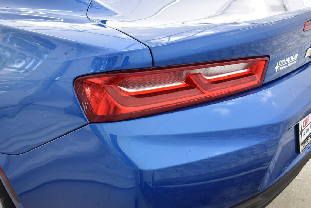 2016 Chevrolet Camaro 2dr Coupe LT w/1LT - 18592298 - 4