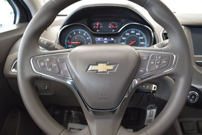 2016 Chevrolet CRUZE 4dr Sedan Automatic LT - Click to see full-size photo viewer