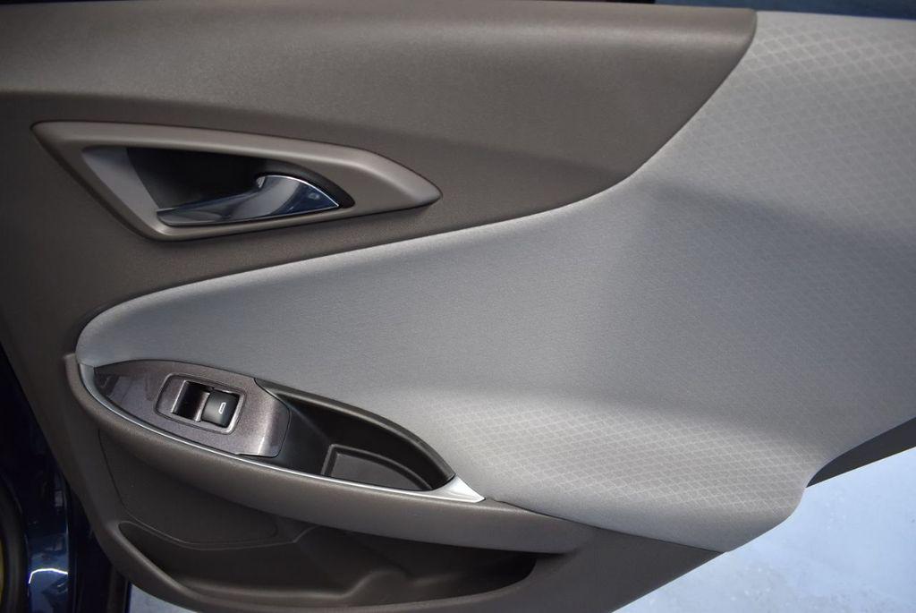 2016 Chevrolet Malibu 4dr Sedan LT w/2LT - 18330047 - 23