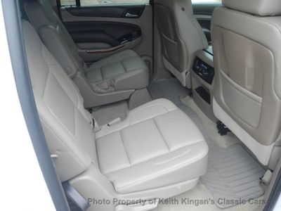 2016 Chevrolet Suburban 1500 LTZ w/REAR DVD - Click to see full-size photo viewer