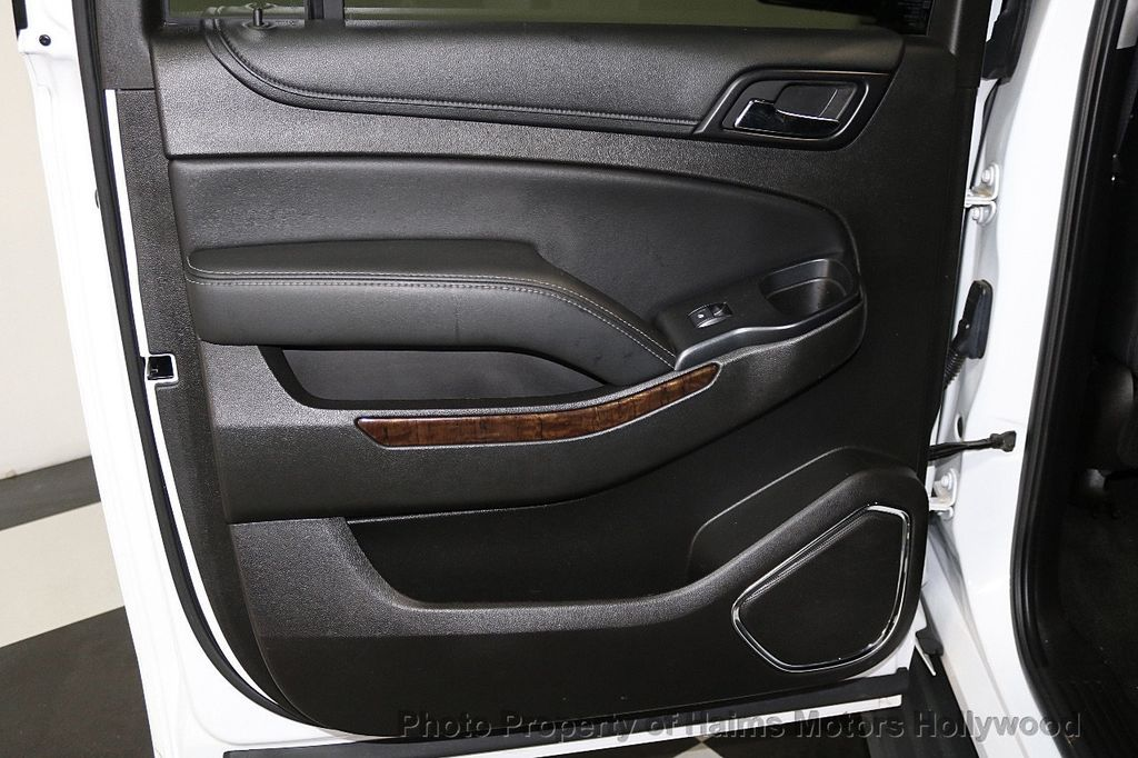2016 Chevrolet Suburban W/ LEATHER - 17701430 - 11