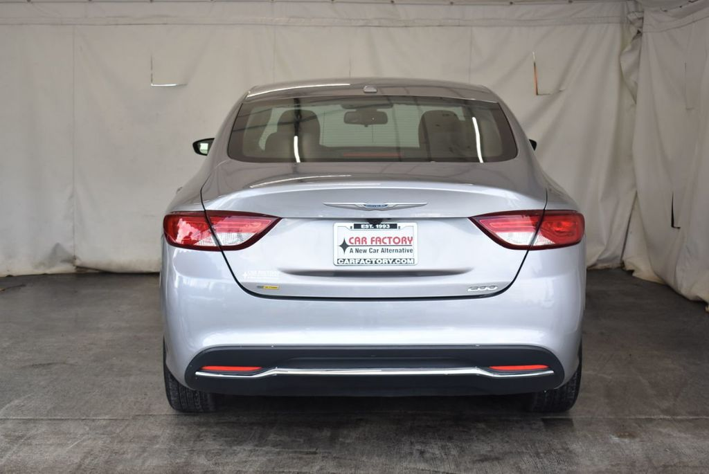 2016 Chrysler 200 4dr Sedan C AWD - 18093615 - 7