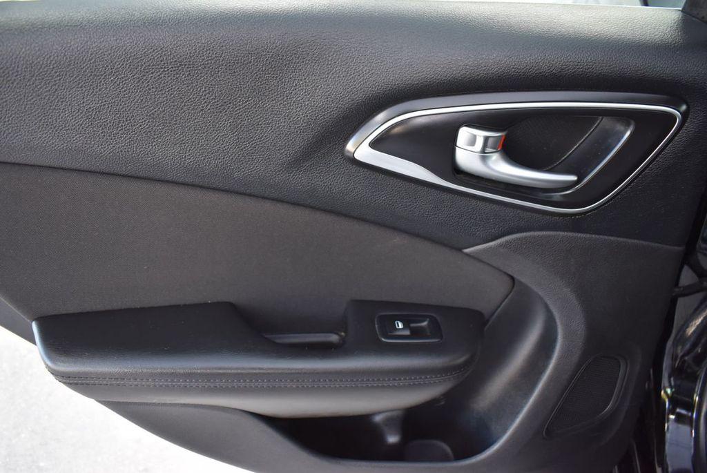 2016 Chrysler 200 4dr Sedan C FWD - 18487899 - 12