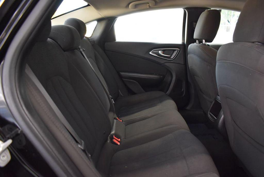 2016 Chrysler 200 4dr Sedan C FWD - 18487899 - 15