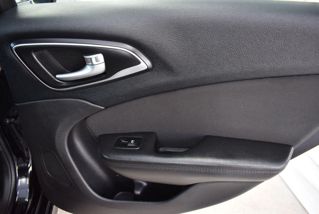 2016 Chrysler 200 4dr Sedan C FWD - 18487899 - 16