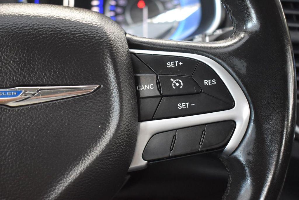 2016 Chrysler 200 4dr Sedan C FWD - 18487899 - 21