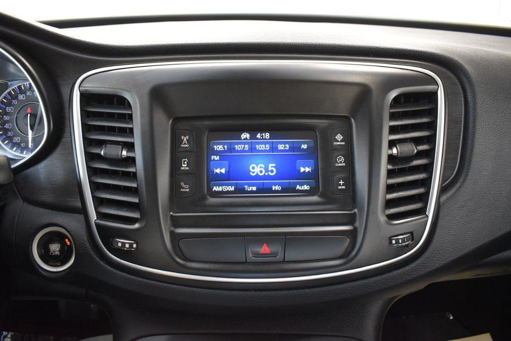 2016 Chrysler 200 4dr Sedan C FWD - 18487899 - 23