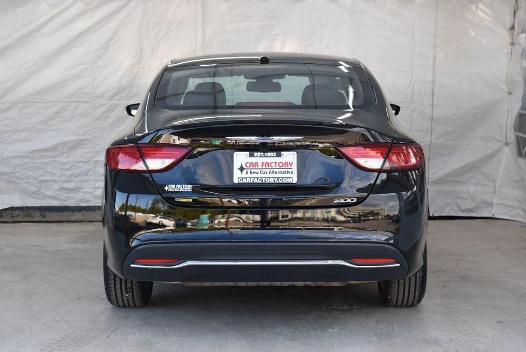 2016 Chrysler 200 4dr Sedan C FWD - 18487899 - 6