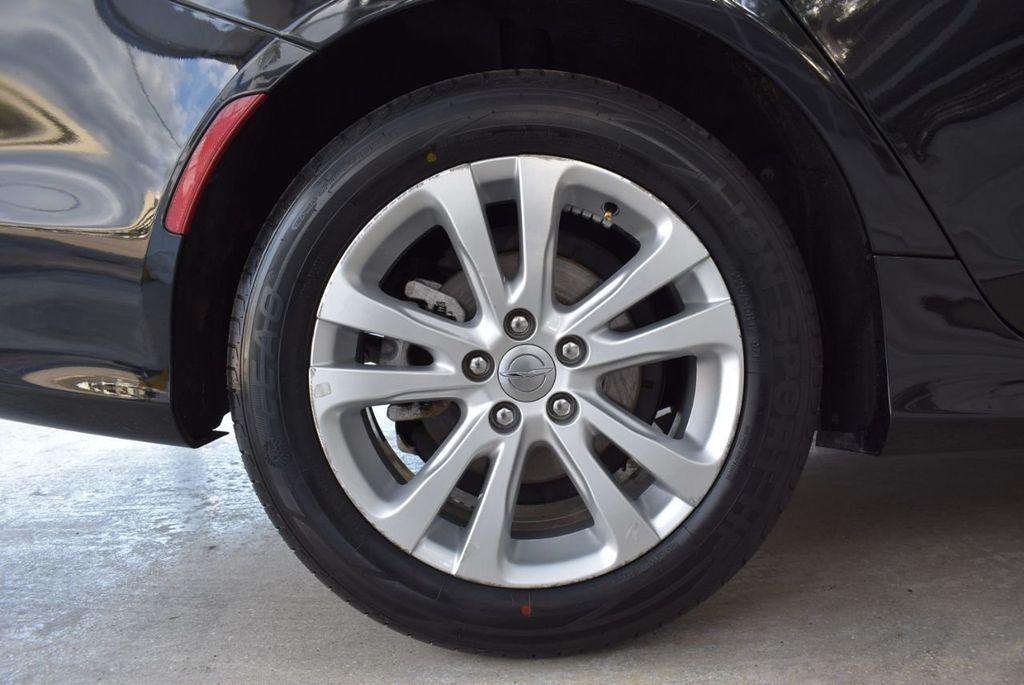 2016 Chrysler 200 4dr Sedan C FWD - 18487899 - 8