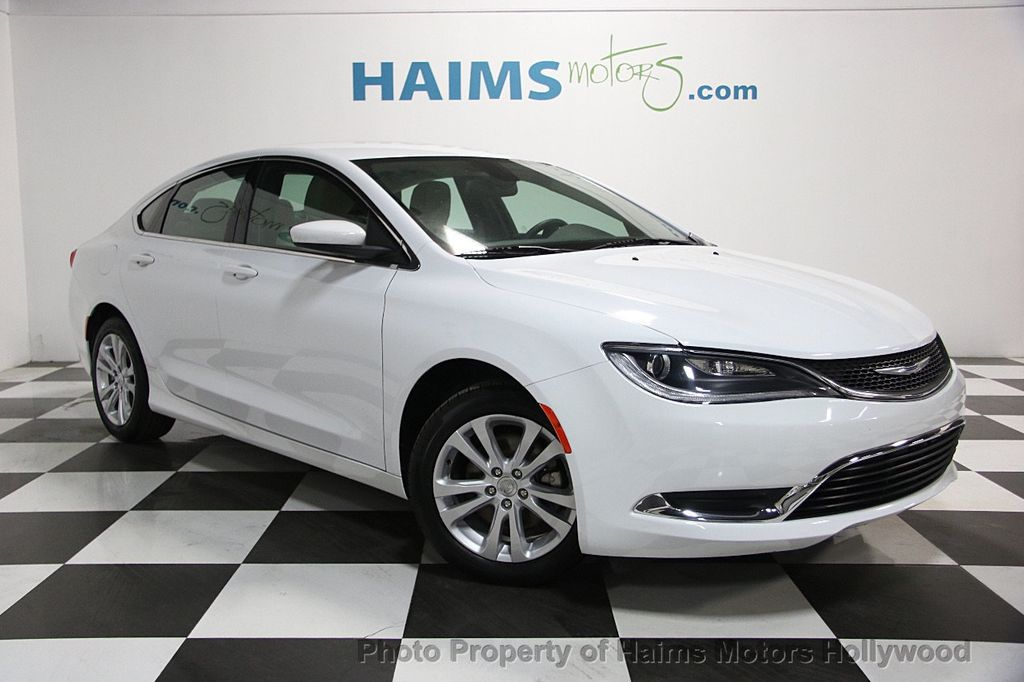 2016 Chrysler 200 4dr Sedan Limited FWD - 16272336 - 2