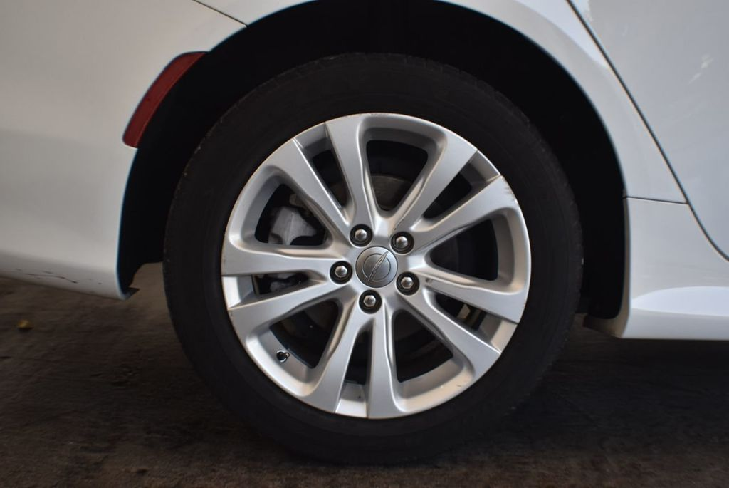 2016 Chrysler 200 4dr Sedan LX FWD - 18250867 - 9