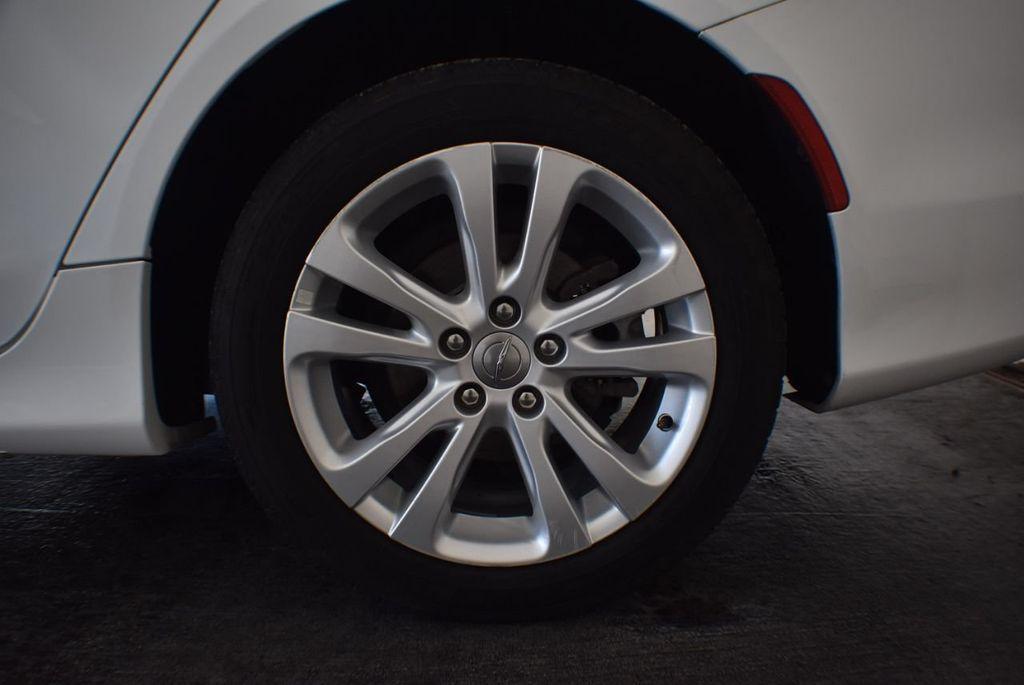 2016 Chrysler 200 4dr Sedan LX FWD - 18250867 - 10