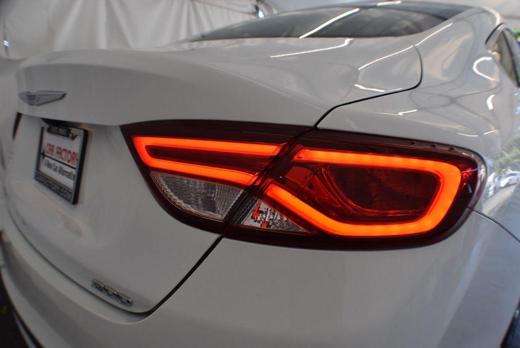 2016 Chrysler 200 4dr Sedan LX FWD - 18250867 - 1