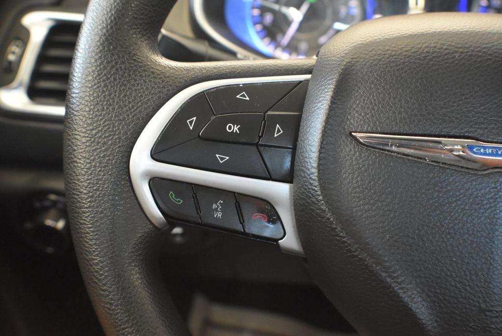 2016 Chrysler 200 4dr Sedan LX FWD - 18250867 - 19