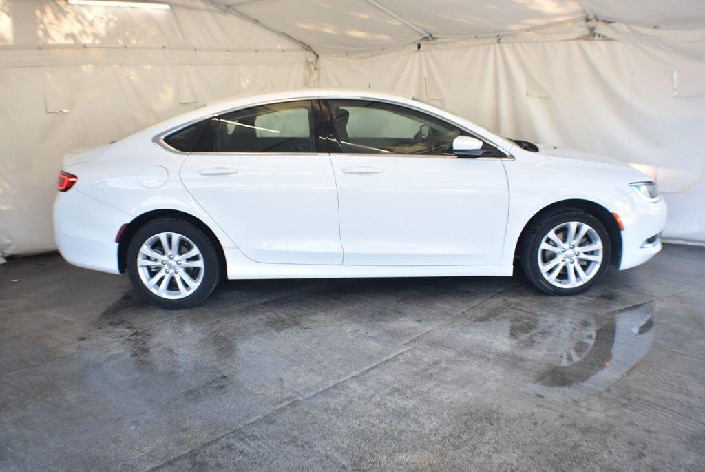 2016 Chrysler 200 4dr Sedan LX FWD - 18250867 - 2